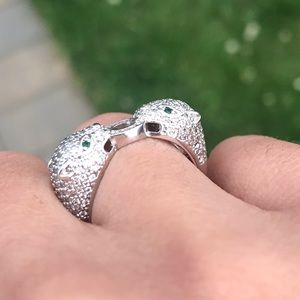 Jewelry - White gold plated the two tigers ring